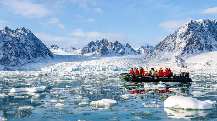 Expedition Cruise in Svalbard's Arctic Wilderness